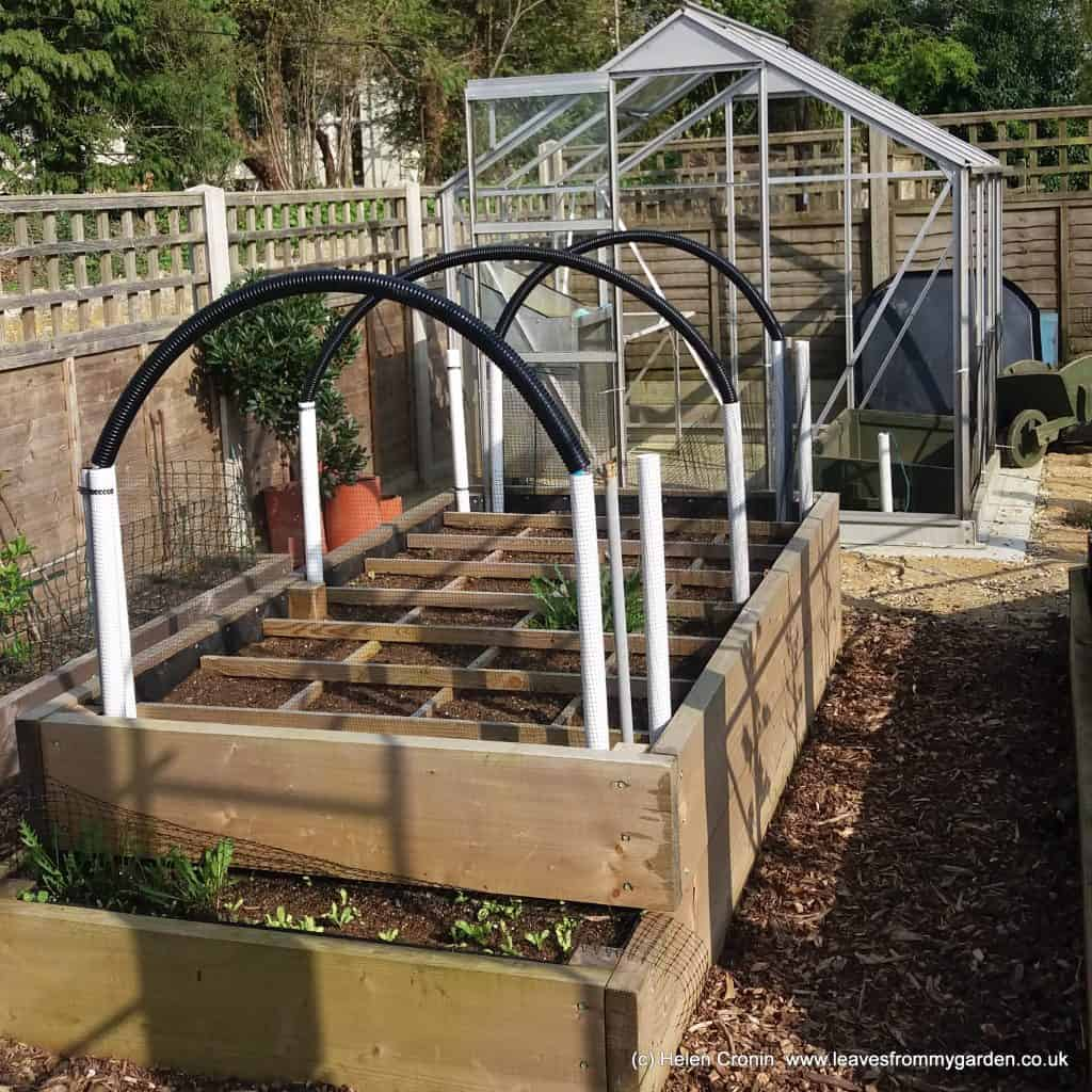 Raised bed with SMG framework
