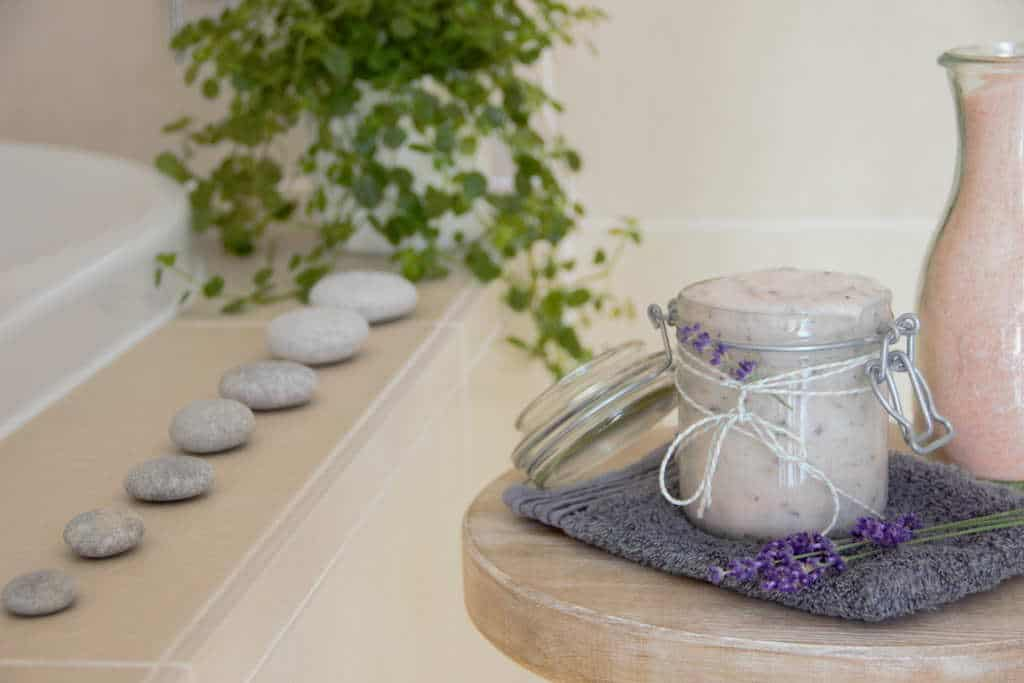 chalking-up-success-dot-com-How-to-make-lavender-and-rose-Himalayan-salt-scrub-003.jpg
